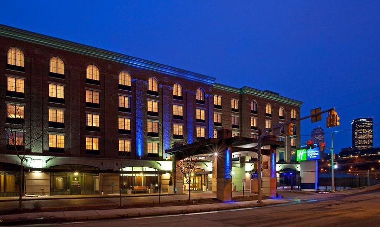 Holiday Inn Express Hotel Suites Pittsburgh South Side